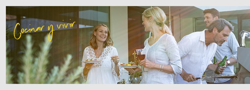 Recetas y decoración para tu cocina exterior con macetas para flores de LECHUZA.
