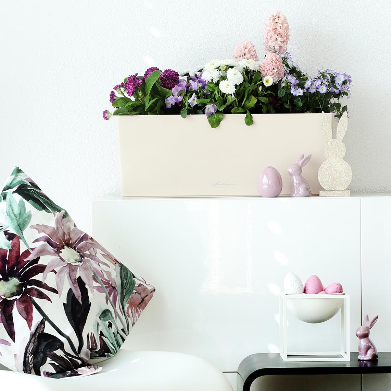'Balcony box by LECHUZA in vanilla