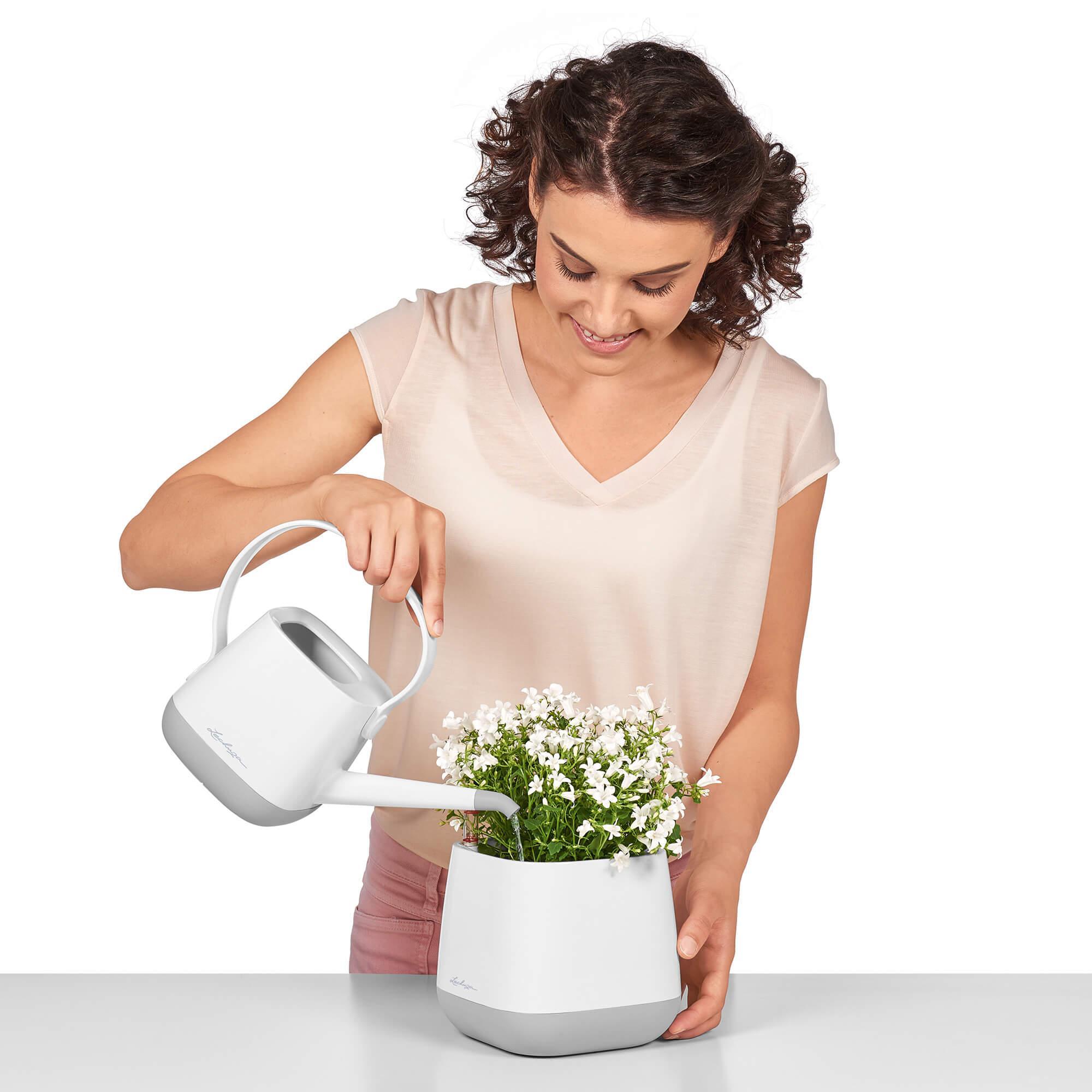 le_yula-pflanzgefaess_product_addi_watering Thumb