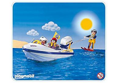 3009-A Motorboot mit Wasserski