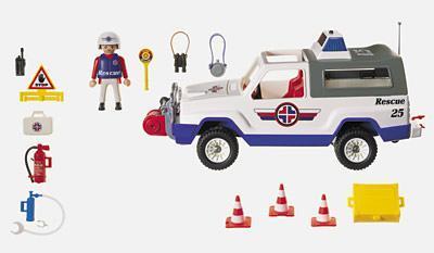http://media.playmobil.com/i/playmobil/3070-A_product_box_back/Unité de secours/4x4
