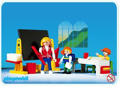 http://media.playmobil.com/i/playmobil/3084-A_product_detail/Klassenzimmer