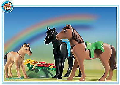 http://media.playmobil.com/i/playmobil/3114-B_product_detail/Chevaux/poulain