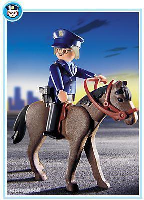 http://media.playmobil.com/i/playmobil/3167-A_product_detail/Policier à cheval