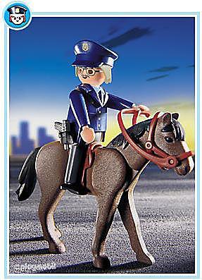 3167-A Polizist mit Pferd detail image 1