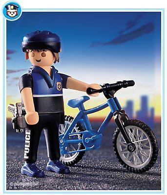 http://media.playmobil.com/i/playmobil/3168-A_product_detail/Patrouilleur à vélo