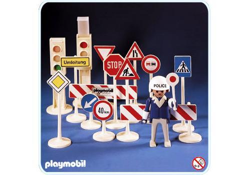 http://media.playmobil.com/i/playmobil/3204-A_product_detail/Panneaux de circulation