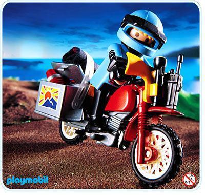 http://media.playmobil.com/i/playmobil/3222-A_product_detail/Pilote / moto raid
