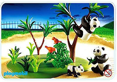 3241-C Famille de pandas detail image 1