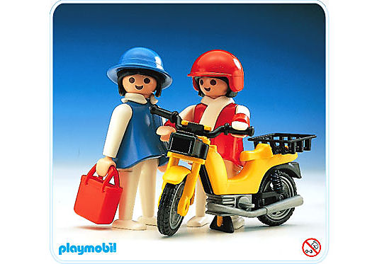 http://media.playmobil.com/i/playmobil/3302-A_product_detail/2 Hausfrauen/Moped