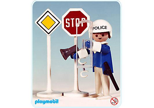 3324-A Polizist/ 2 Verkehrsschilder detail image 1