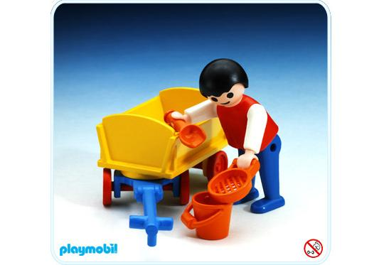 http://media.playmobil.com/i/playmobil/3356-A_product_detail/Enfant et chariot à main