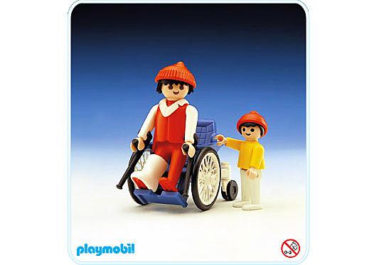 3363-A Malade et fauteuil roulant detail image 1