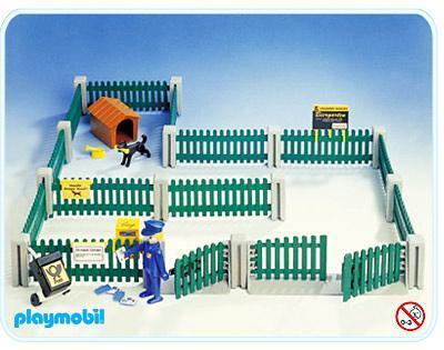 http://media.playmobil.com/i/playmobil/3504-A_product_detail/Zaun