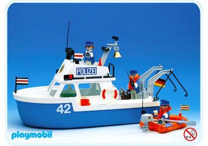 http://media.playmobil.com/i/playmobil/3539-A_product_detail/Polizeiboot
