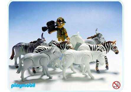 http://media.playmobil.com/i/playmobil/3677-A_product_detail/Zebras, Gnus, Kameramann