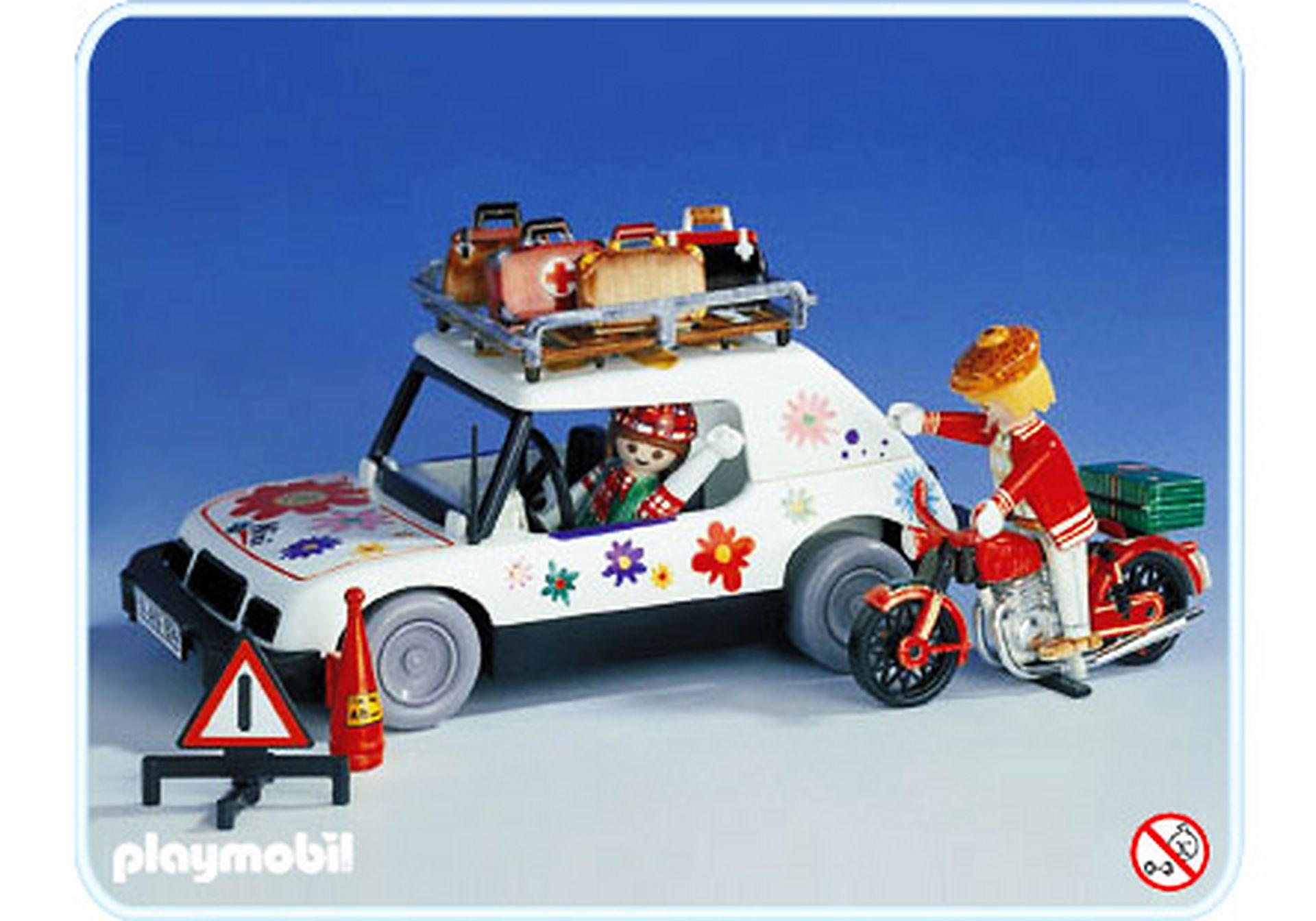 3680-A Voyageuse en voiture et motard zoom image1