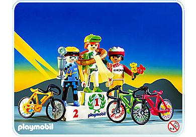 3849-A Coureurs cyclistes / podium