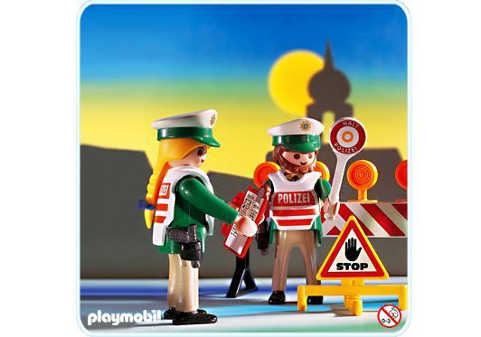 http://media.playmobil.com/i/playmobil/3905-A_product_detail/Verkehrskontrolle