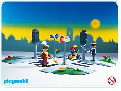 http://media.playmobil.com/i/playmobil/3987-A_product_detail/Piétons/signalisations/carrefour