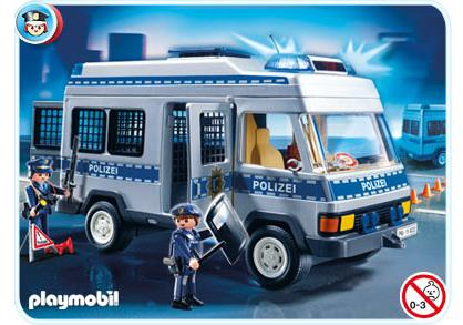 http://media.playmobil.com/i/playmobil/4022-A_product_detail/Mannschaftswagen