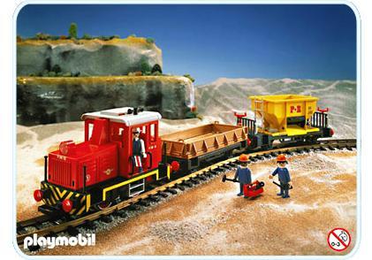 http://media.playmobil.com/i/playmobil/4027-A_product_detail/Güterzug-Set mit Diesellok