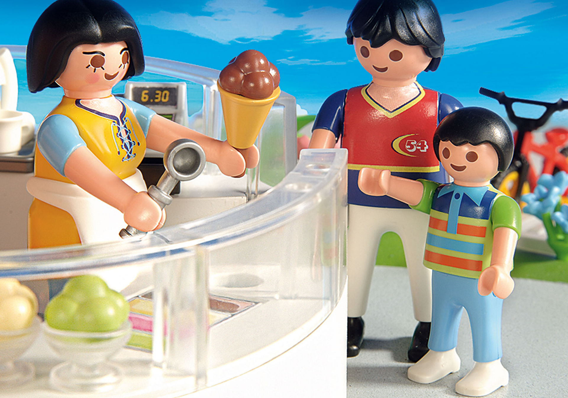 http://media.playmobil.com/i/playmobil/4134_product_extra4/Superset Marchand de glaces