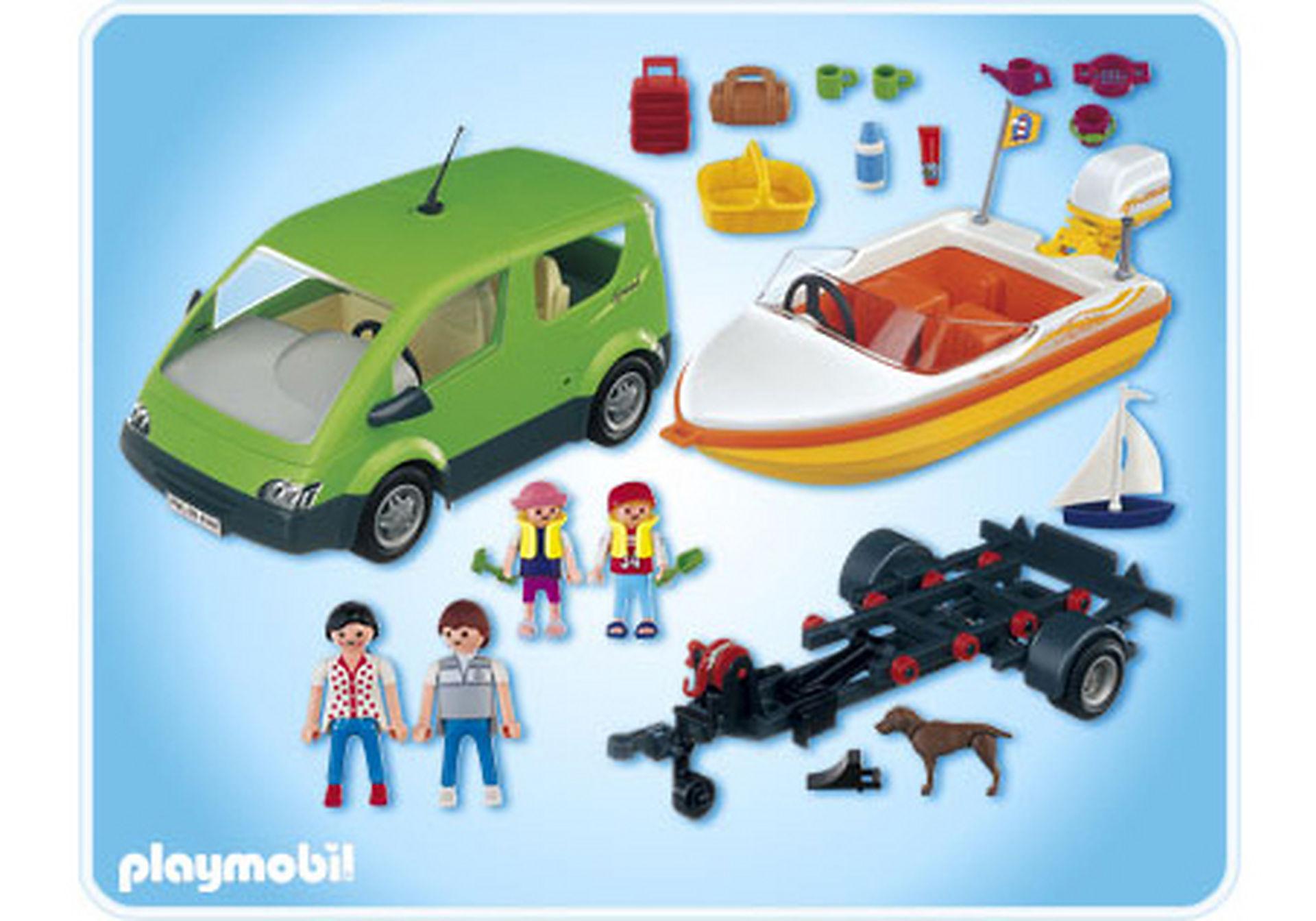 4144-A Voiture familiale avec remorque porte-bateaux zoom image2