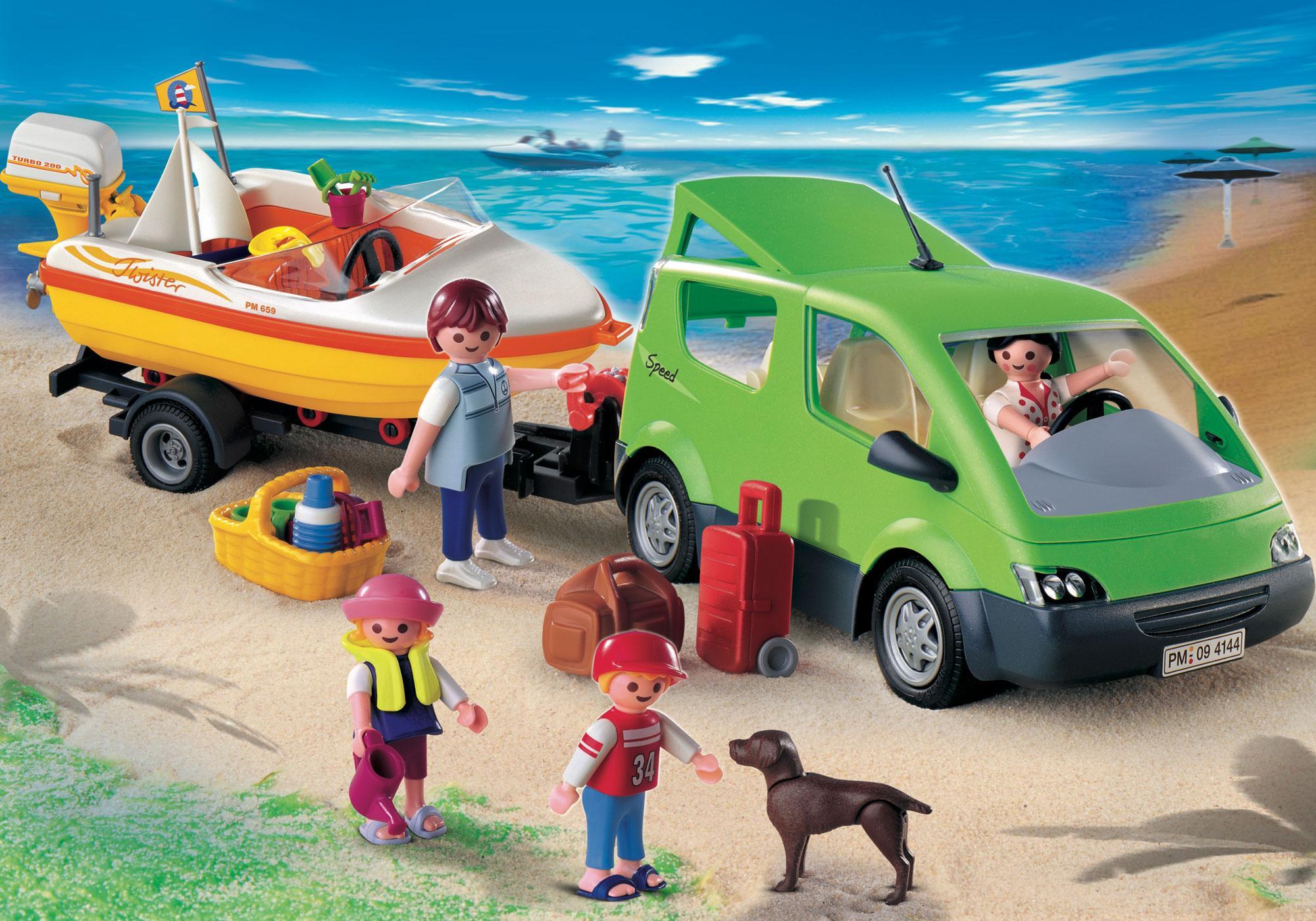 http://media.playmobil.com/i/playmobil/4144_product_detail/Familyvan mit Bootsanhänger