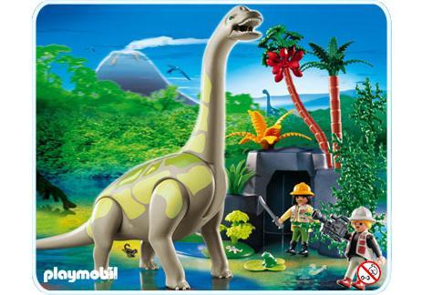 4172-A_product_detail/Brachiosaurus in Felslandschaft