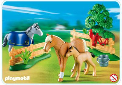 http://media.playmobil.com/i/playmobil/4188-A_product_detail/Famille de chevaux