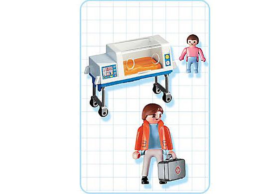 4225-A Infirmière / bébé / couveuse detail image 2