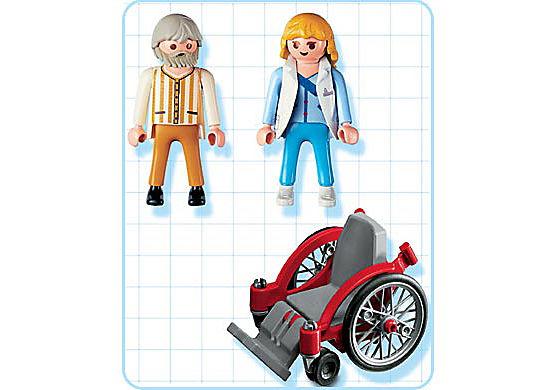 4226-A Pflegerin mit Patient detail image 2