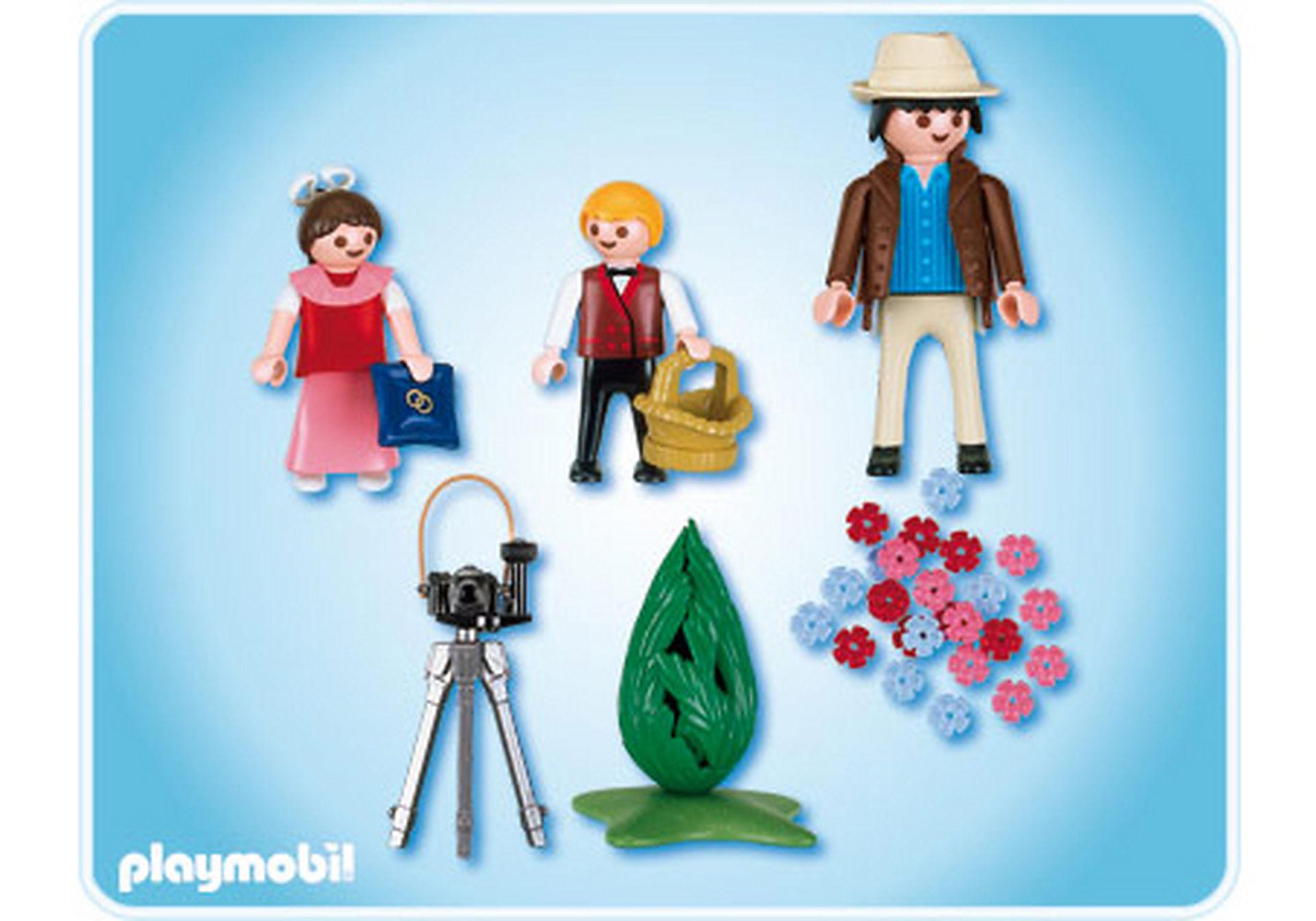 4299-A Photographe avec enfants d'honneur zoom image2