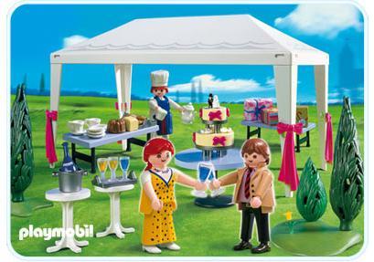 http://media.playmobil.com/i/playmobil/4308-A_product_detail/Invités et tente de réception