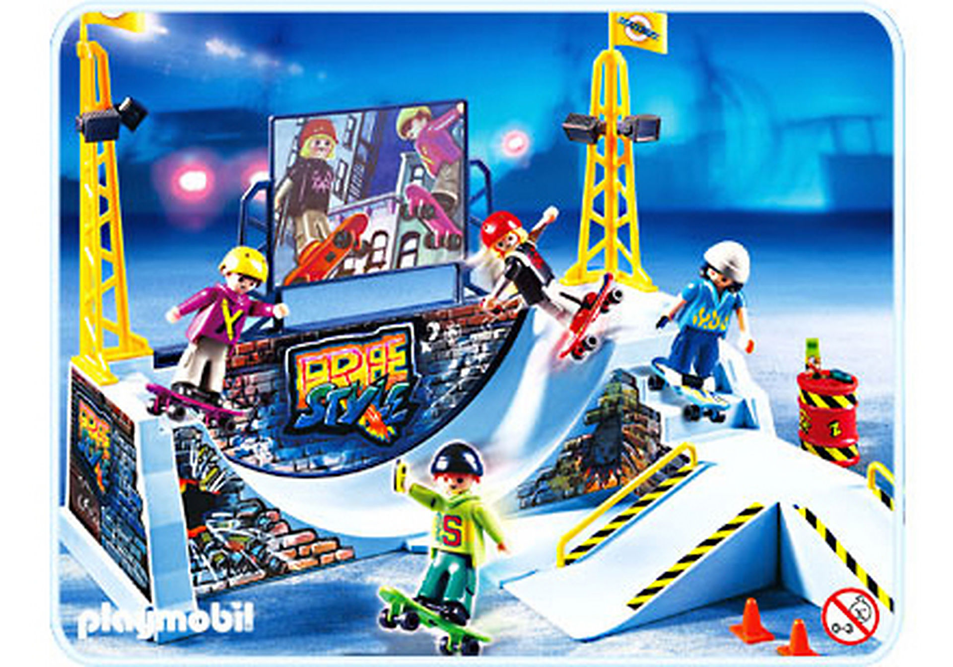 http://media.playmobil.com/i/playmobil/4414-A_product_detail/4 jeunes avec Skateboards / rampe