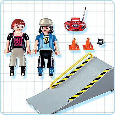 4415-A 2 jeunes en rollers / tremplin detail image 2