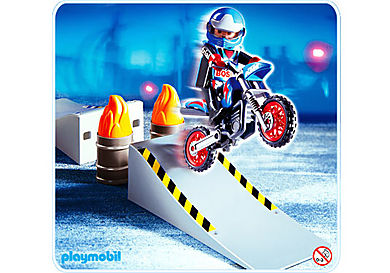 4416-A Motocross-Fahrer mit Rampe