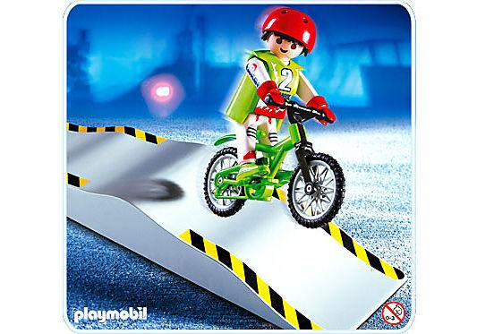 4417-A Mountainbiker mit Wellenrampe detail image 1