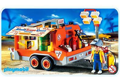http://media.playmobil.com/i/playmobil/4422-A_product_detail/Dépanneur / remorque d`assistance