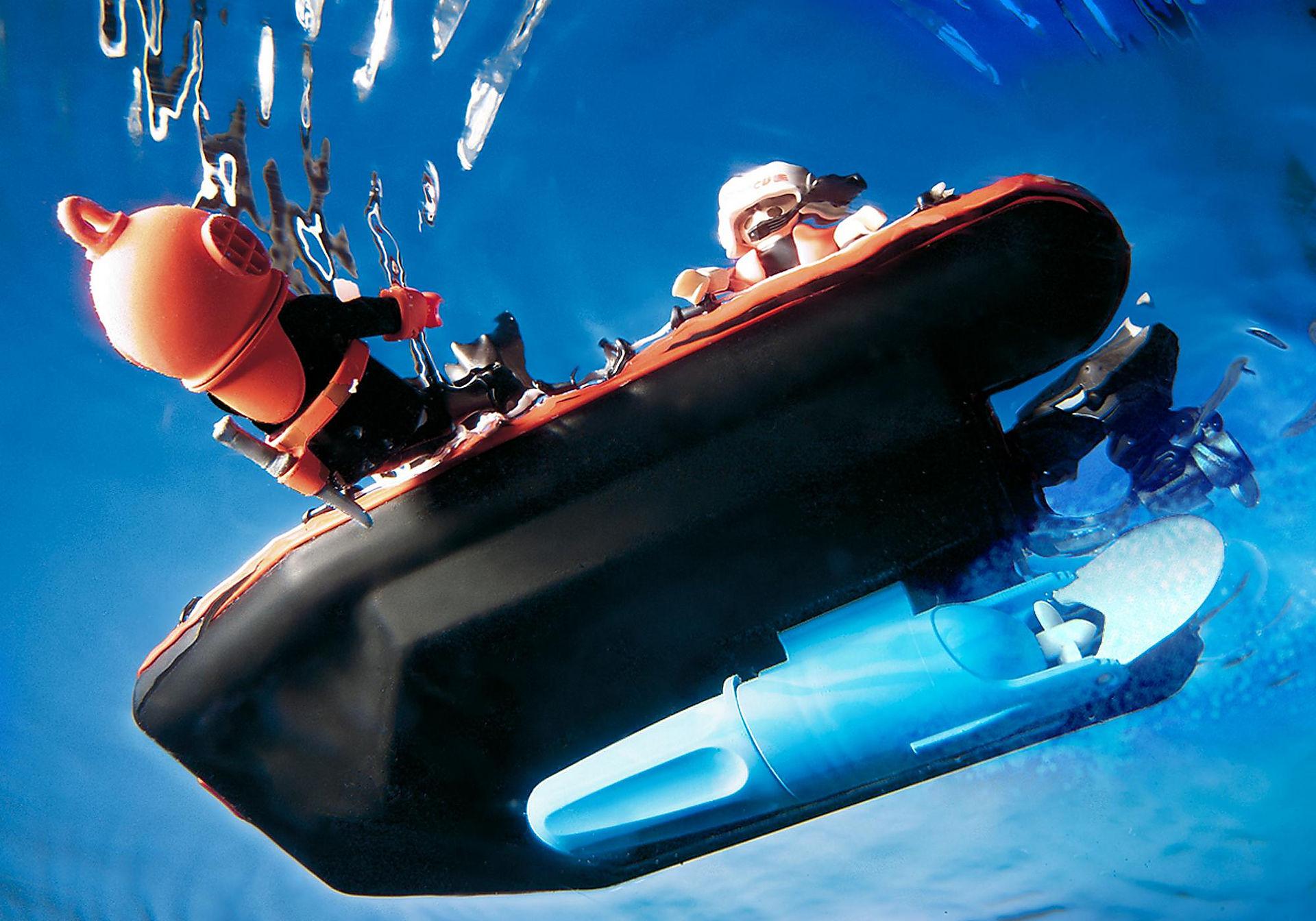 http://media.playmobil.com/i/playmobil/4428_product_extra1/SOS-Helikopter/Rettungsboot