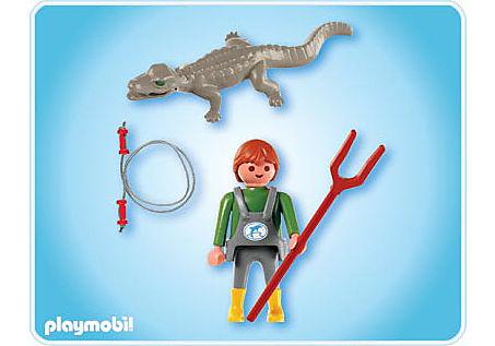 4465-A Tierpfleger mit Kaiman detail image 2