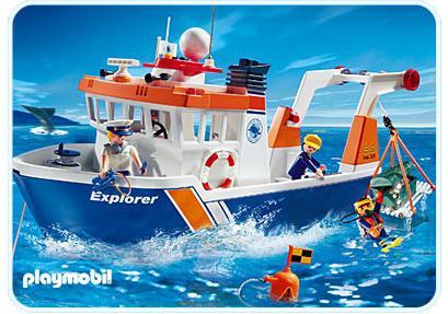 http://media.playmobil.com/i/playmobil/4469-A_product_detail