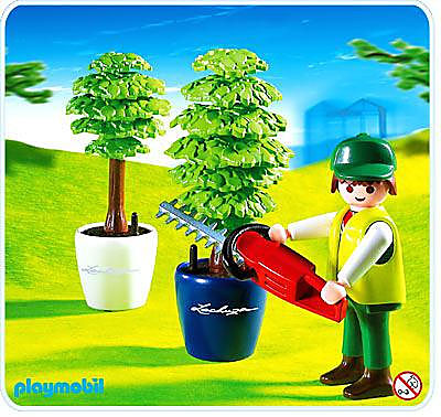 http://media.playmobil.com/i/playmobil/4485-A_product_detail/Jardinier / taille-haie