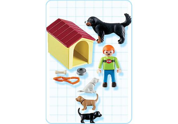 http://media.playmobil.com/i/playmobil/4498-A_product_box_back/Enfant / famille de chiens