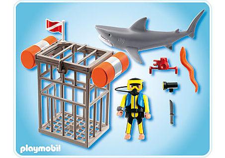 4500-A Plongeur avec requin detail image 2