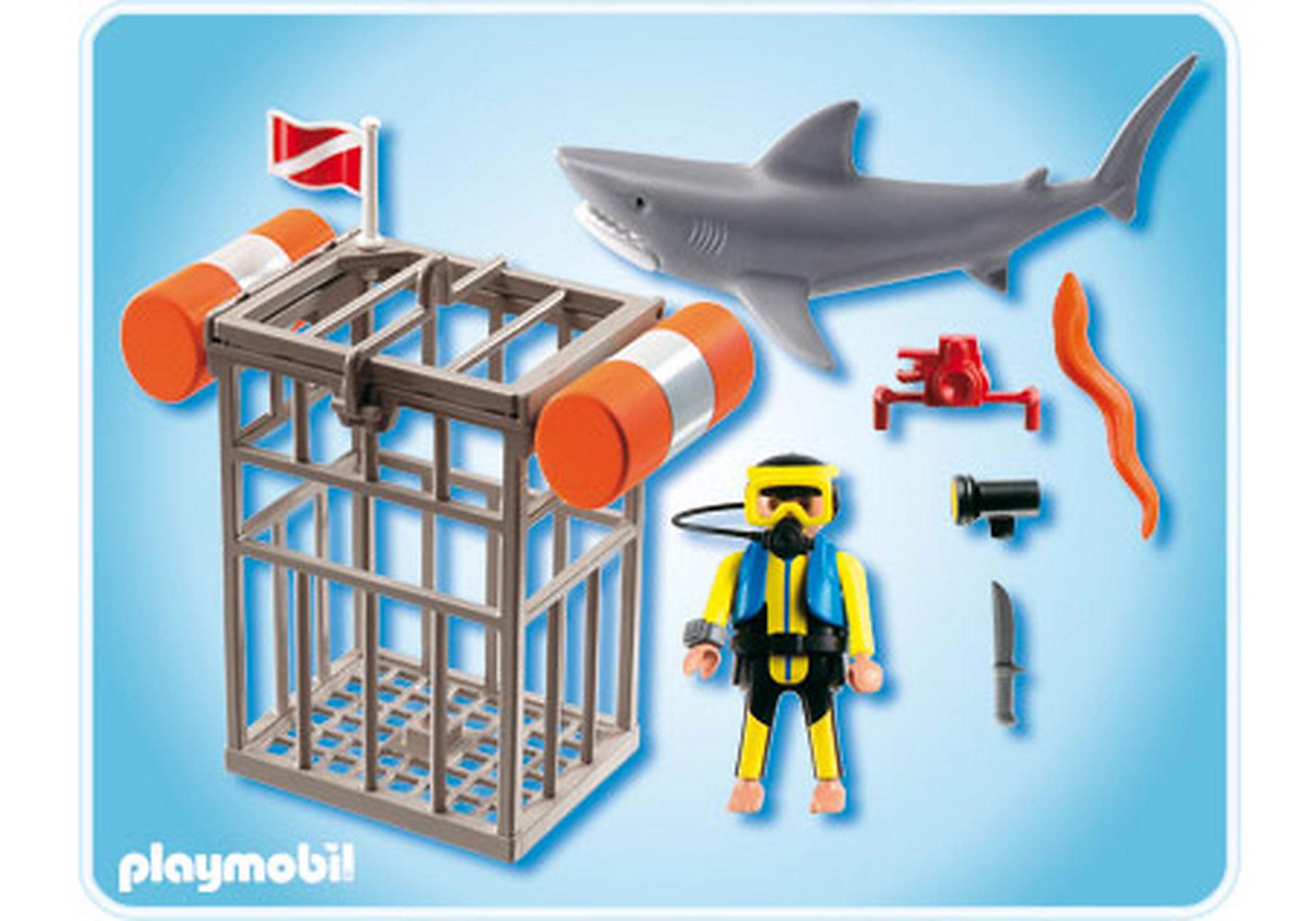 4500-A Plongeur avec requin zoom image2