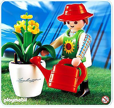 http://media.playmobil.com/i/playmobil/4613-A_product_detail/Gärtner