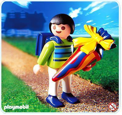 http://media.playmobil.com/i/playmobil/4618-A_product_detail/Ecolier