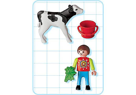 4624-A Garçon avec petit veau detail image 2